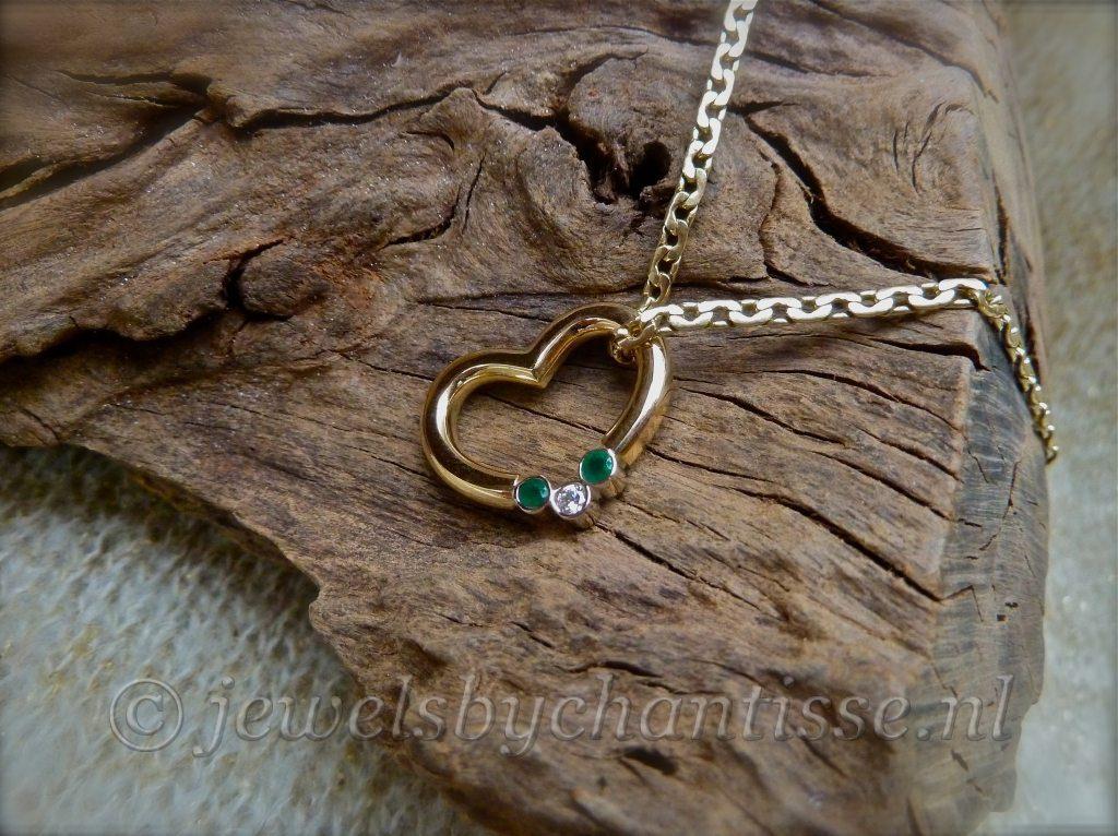 Gouden Hart met Smaragd en Brilliant